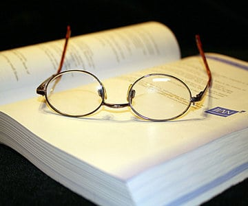rsz_business-book-and-glasses-1-1241387-639x426