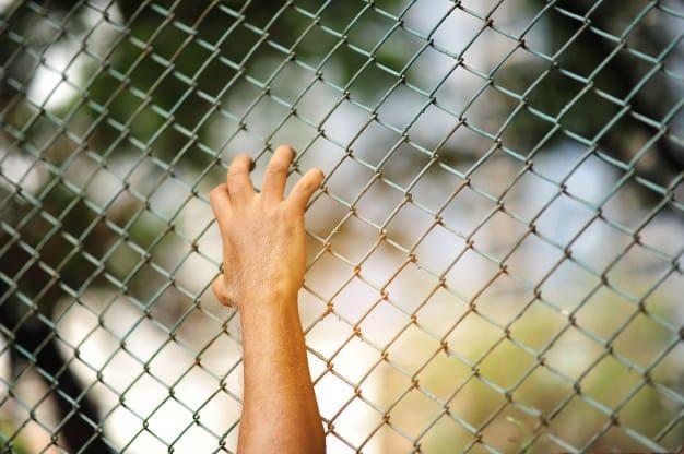 ביקור אסירים בכלא הצבאי