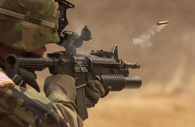 שימוש בלתי חוקי בנשק בצבא